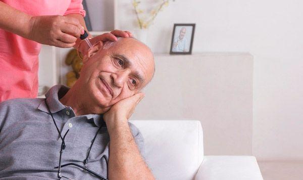 Как лечить ухо борным спиртом у взрослых Заболевания ушей