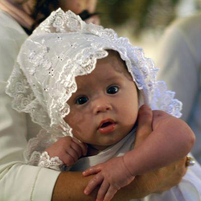 Как проходит обряд крещения малыша?